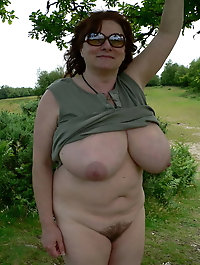 Juiciest aged gilf is exposing her hot curves