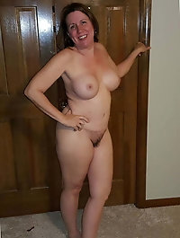 Smiling older woman on xxx gallery