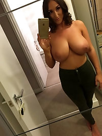Nude MILF Selfies part.3
